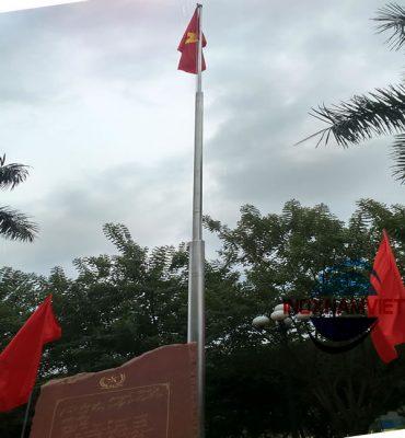 Cột cờ inox z131